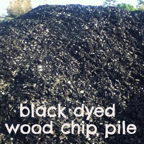 Black & Red Dyed Wood Chips