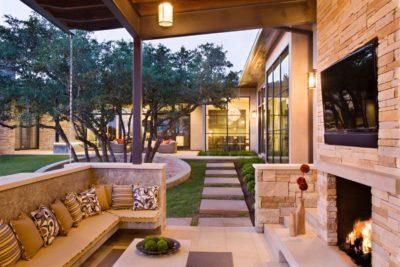 Backyard entertaining patio idea by Sutherland Landscape