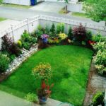Traditional small yard landscaping ideas